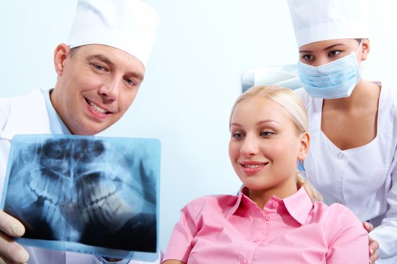 植牙保險有哪些?植牙的風險高不高?